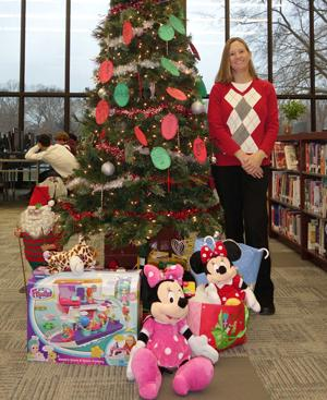 Cassandra Dorn spearheads the Holiday Drive Supporting Linkages